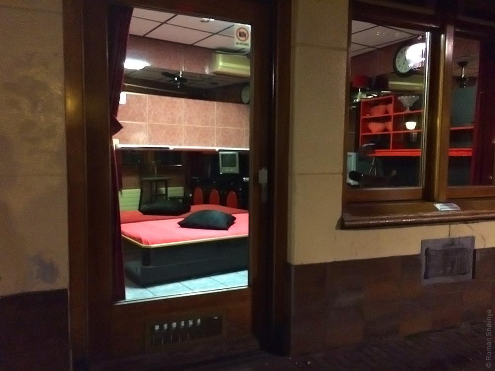 Рабочее место проституток в Амстердаме