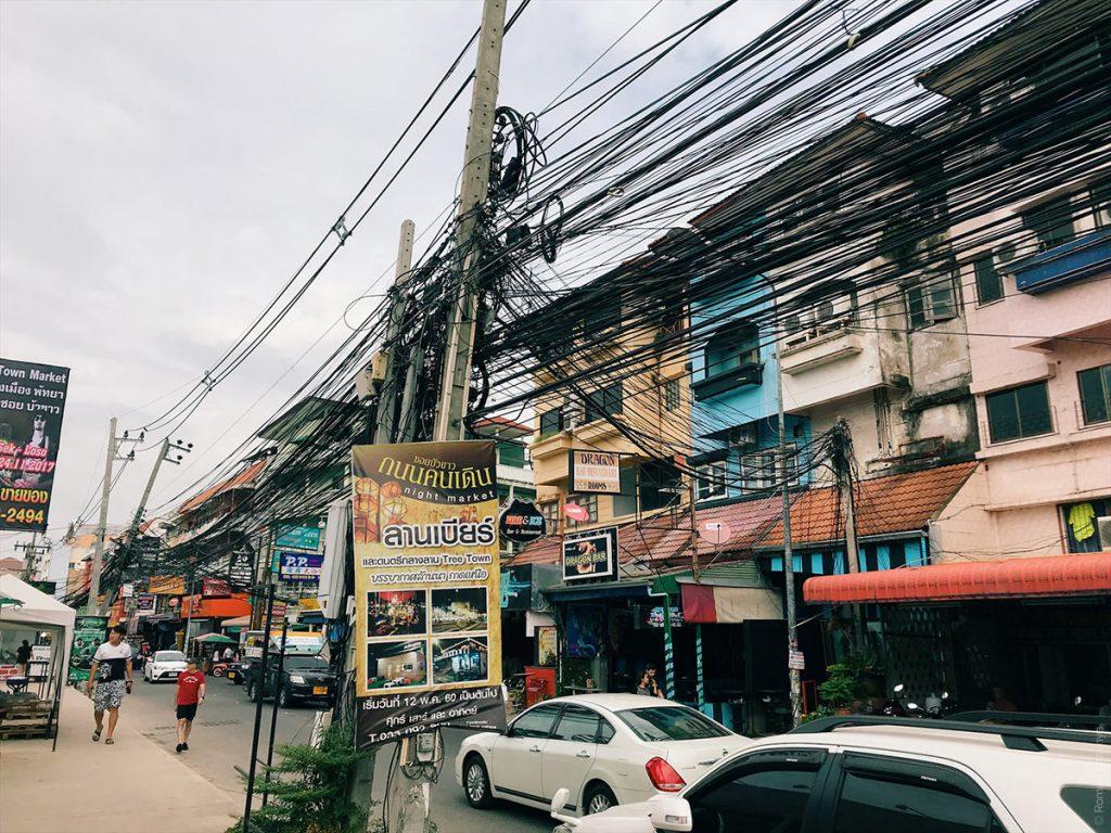 Электрические провода в Паттайе