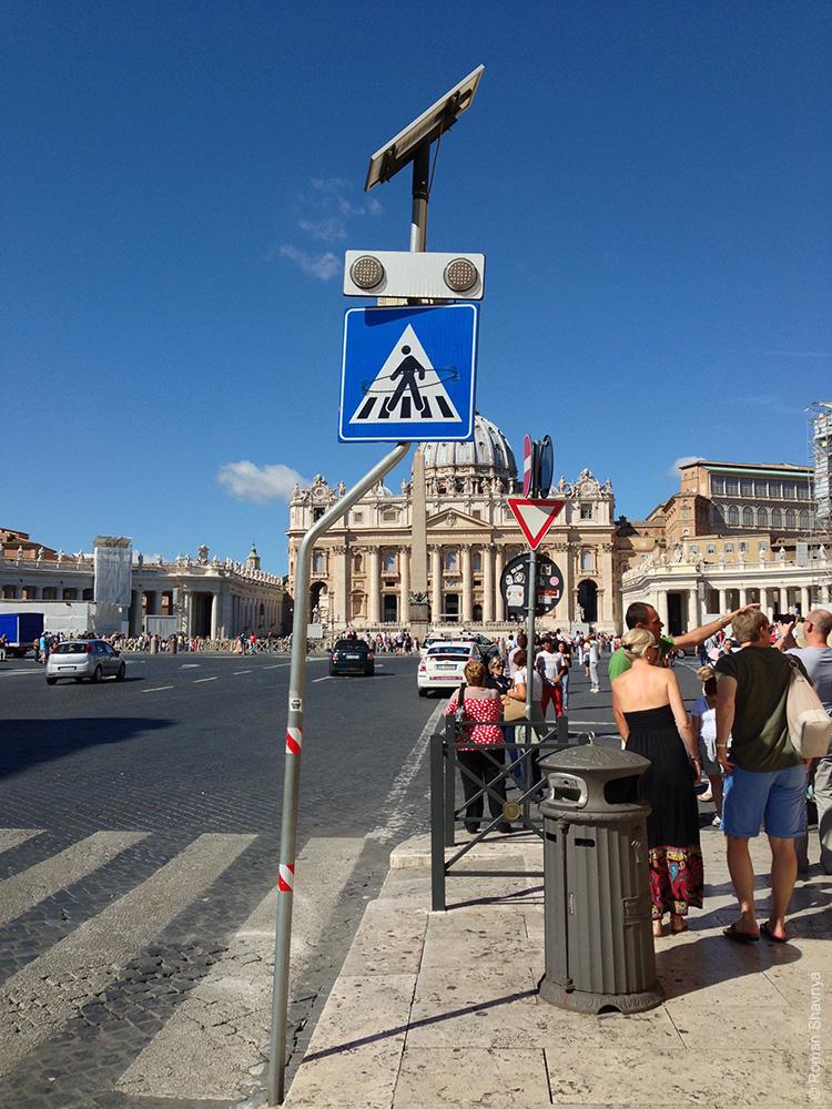 Аура в Ватикане