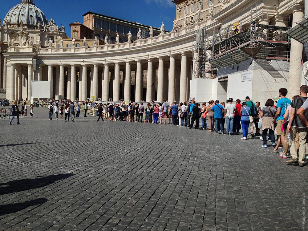 Очередь к Папе Римскому в Ватикане