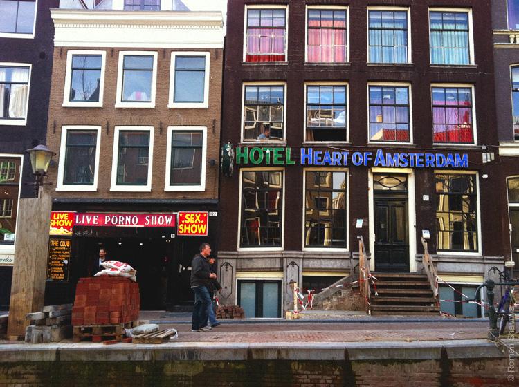 Порнотеатр в Амстердаме