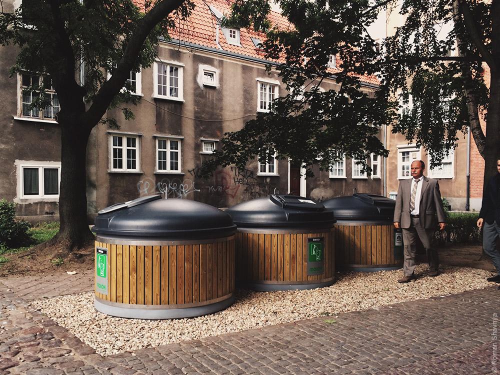 Новые мусорные баки в Гданьске