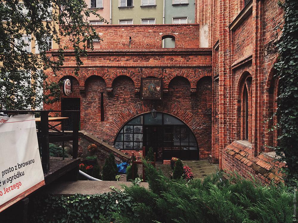 Здания из красного кирпича в Гданьске