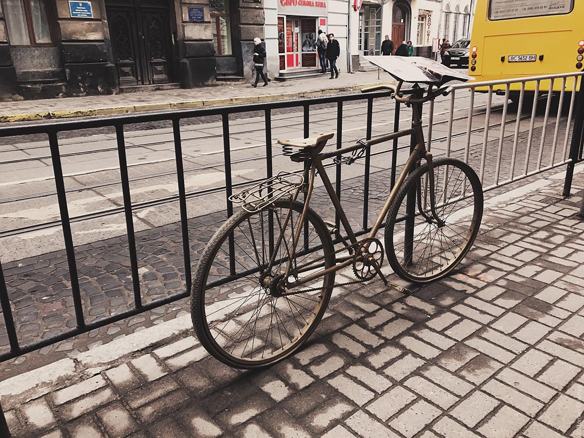 Велосипед для рекламы во Львове