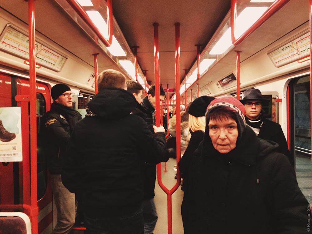Вагон поезда в Пражском метро. Метро в Праге