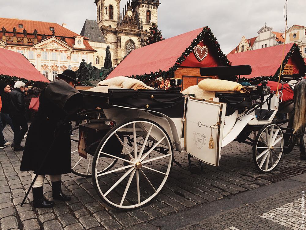 Женщина-извозчик в Праге