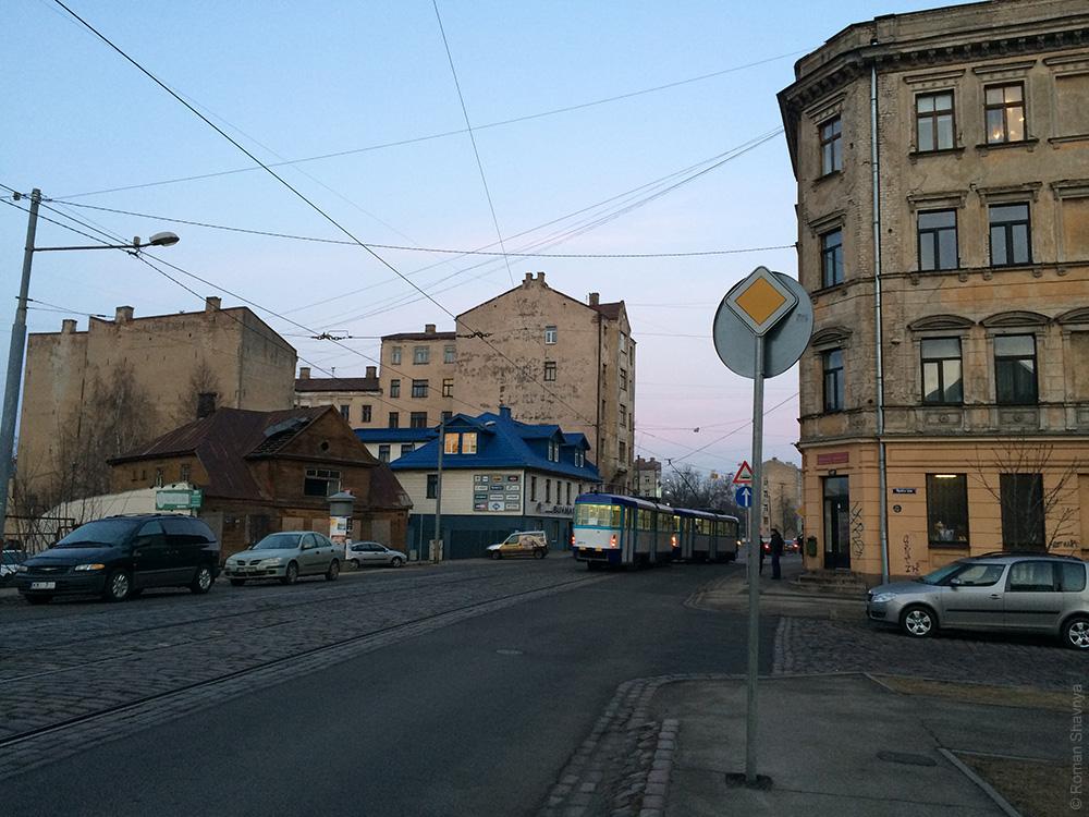 Рижский знак «Главная дорога»