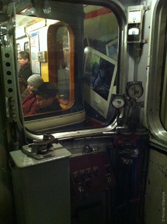 Вагон метро 67 года выпуска в метро Санкт-Петербурга