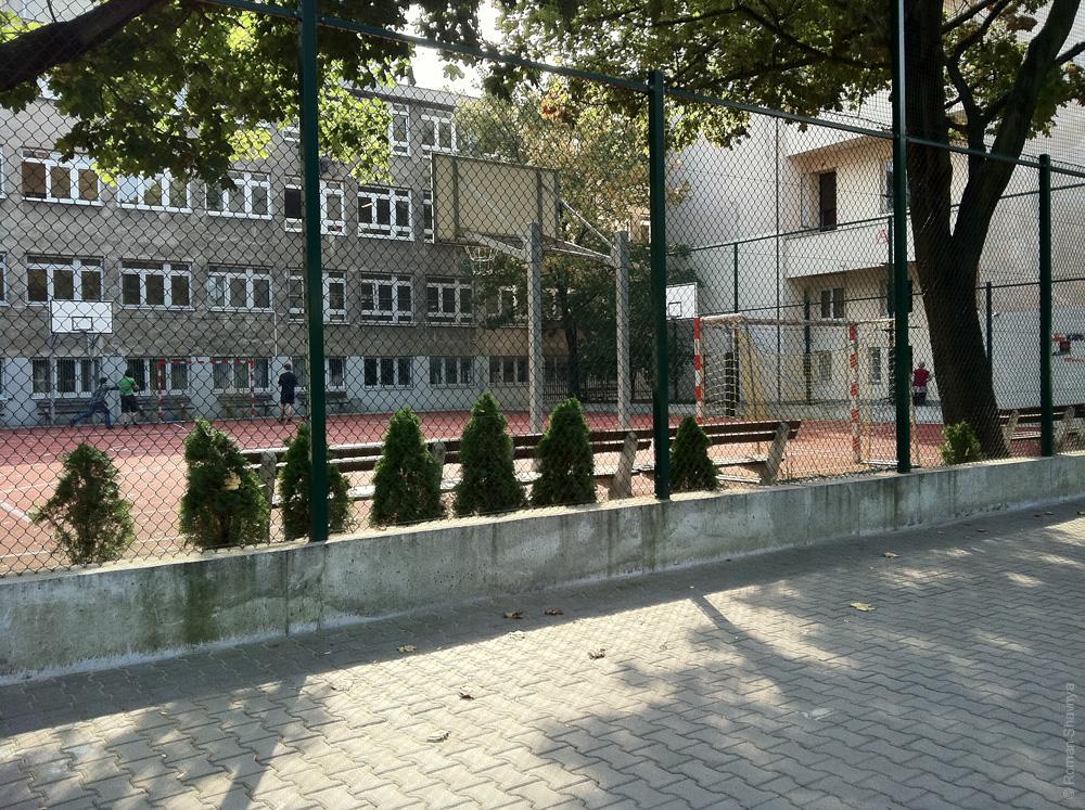 Баскетбольная площадка в Варшаве